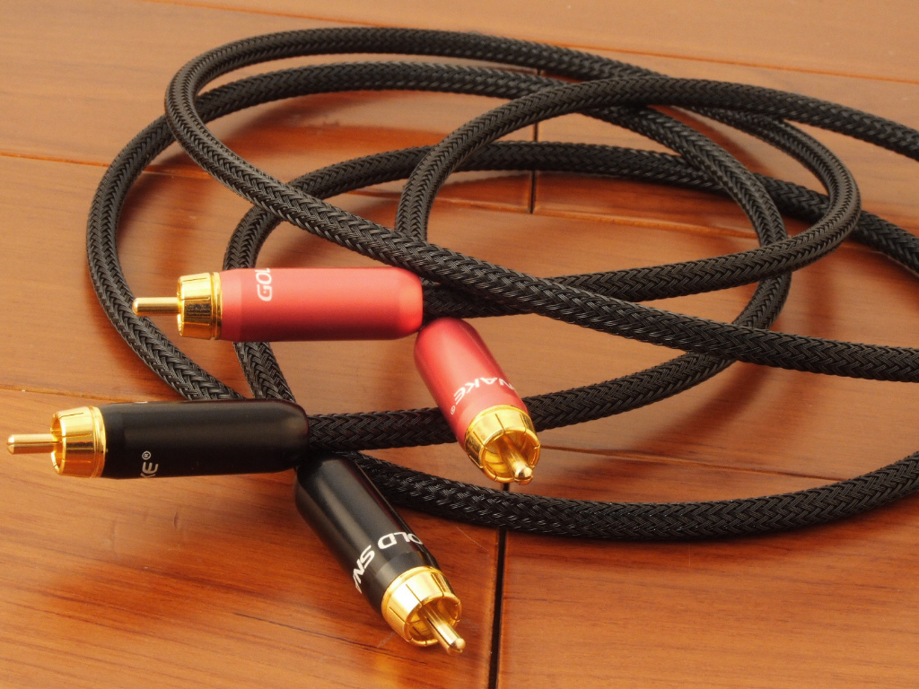 gold snake 1 meter rca to rca hi fi cable audiophile hi fi cable. Black Bedroom Furniture Sets. Home Design Ideas